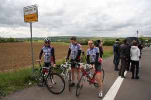 Chris, Max und Thomas (v. l. nach r.) nach dem Rennen